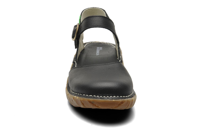 Sandales et nu-pieds El Naturalista Yggdrasil N178 Noir vue portées chaussures