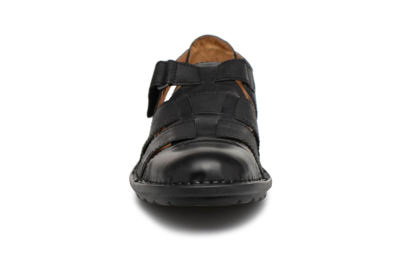 Sandalen Kickers Vidal schwarz schuhe getragen