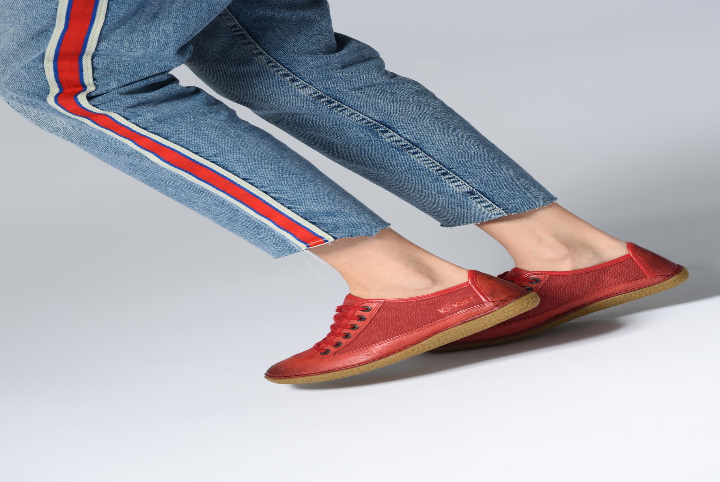 Chaussures à lacets Kickers Hollyday Rouge vue bas / vue portée sac