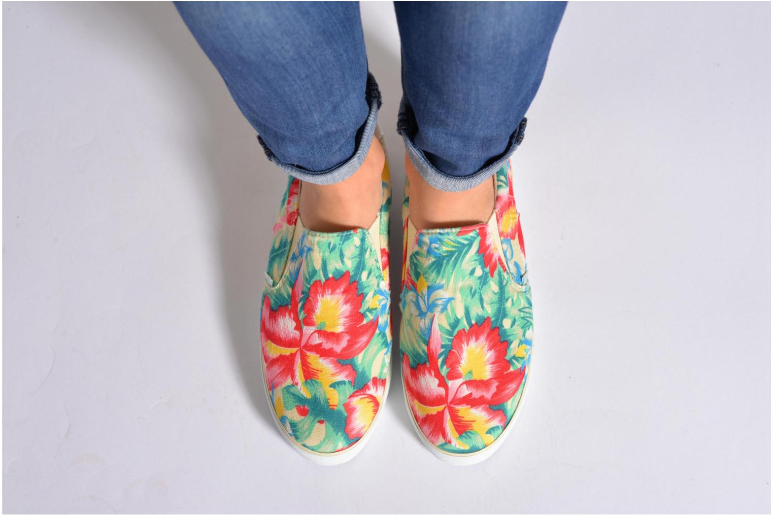 Trainers Gola Delta Hibiscus Multicolor view from underneath / model view