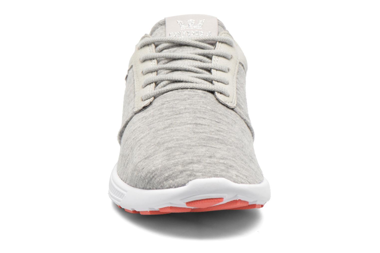 Baskets Supra Hammer run W Gris vue portées chaussures
