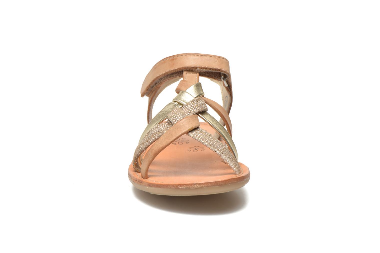 Sandales et nu-pieds Noël Strass Marron vue portées chaussures