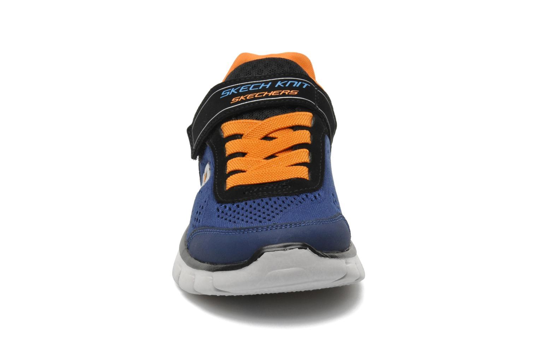 Sneakers Skechers Synergy Power Rush Azzurro modello indossato
