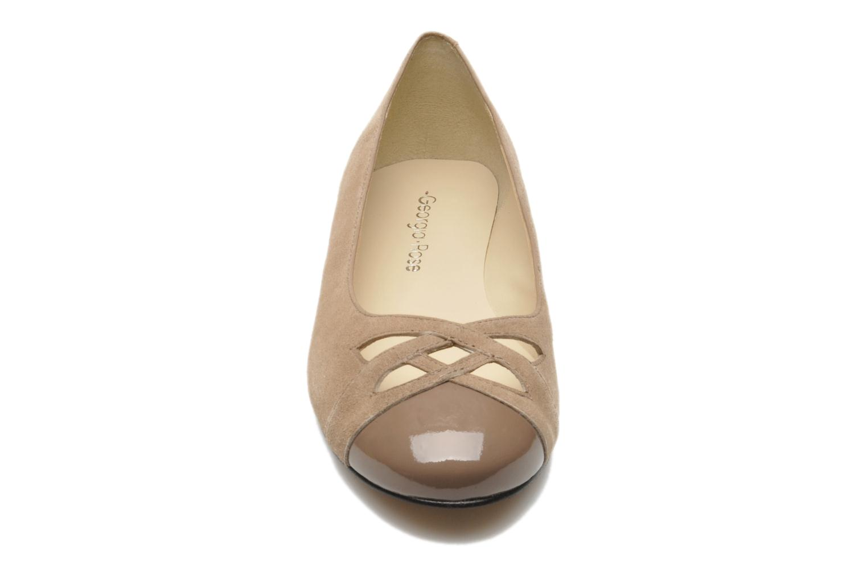 Ballet pumps Georgia Rose Savat Beige model view