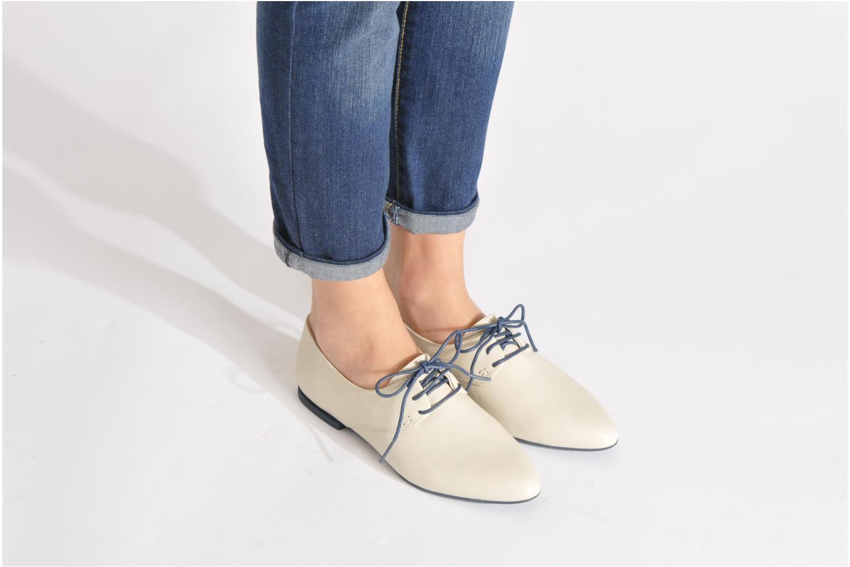 Chaussures à lacets Camper Isadora 22567 Noir vue bas / vue portée sac