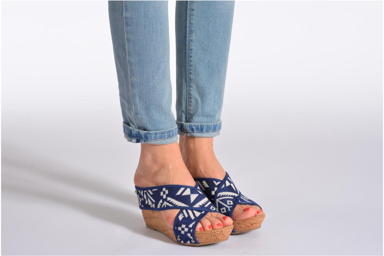 Sandales et nu-pieds Minnetonka Lainey Bleu vue bas / vue portée sac
