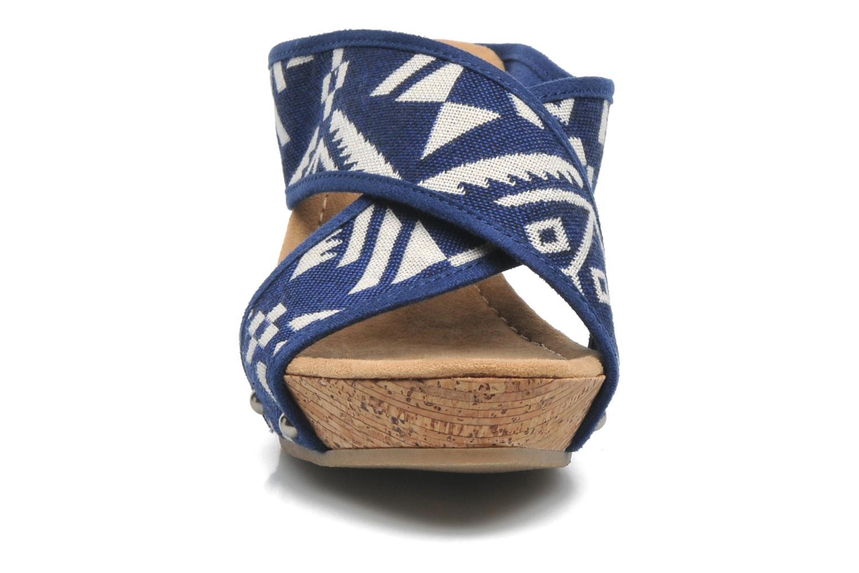 Sandales et nu-pieds Minnetonka Lainey Bleu vue portées chaussures