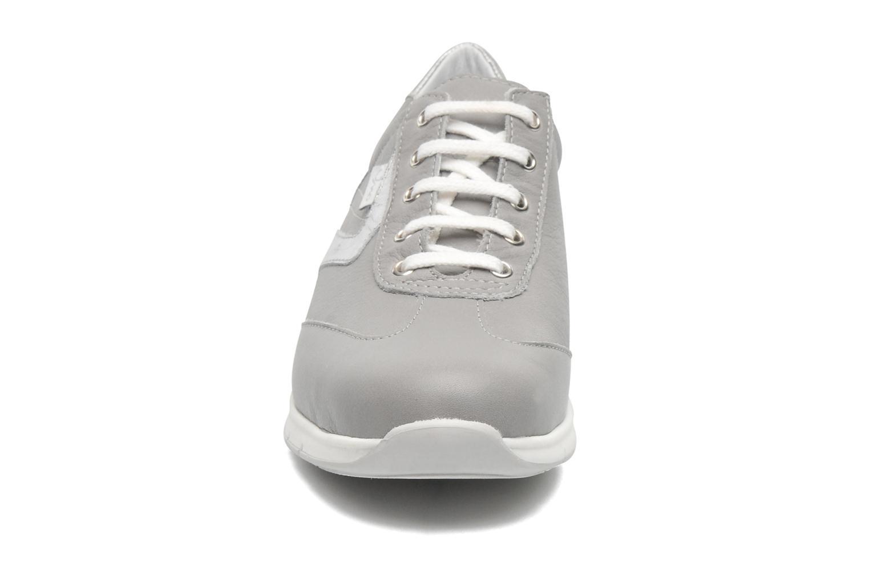 Baskets UMO Confort Divine Gris vue portées chaussures