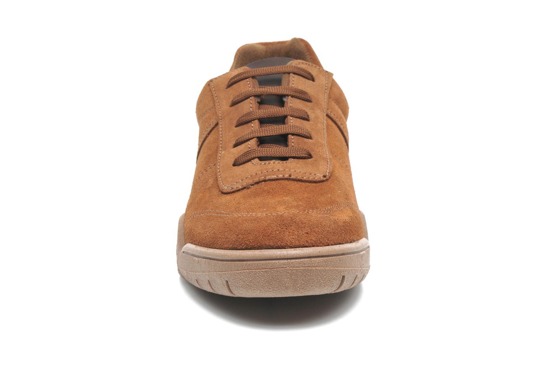Baskets UMO Confort Atlas Marron vue portées chaussures