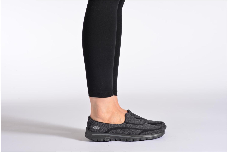 Sneaker Skechers Go Walk 2 Super Sock 13955 schwarz ansicht von unten / tasche getragen