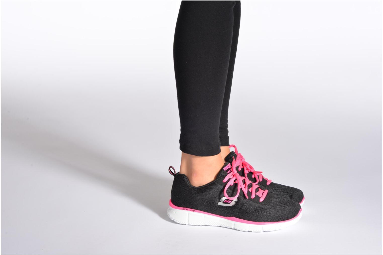 Sneaker Skechers Equalizer True Form 11891 schwarz ansicht von unten / tasche getragen