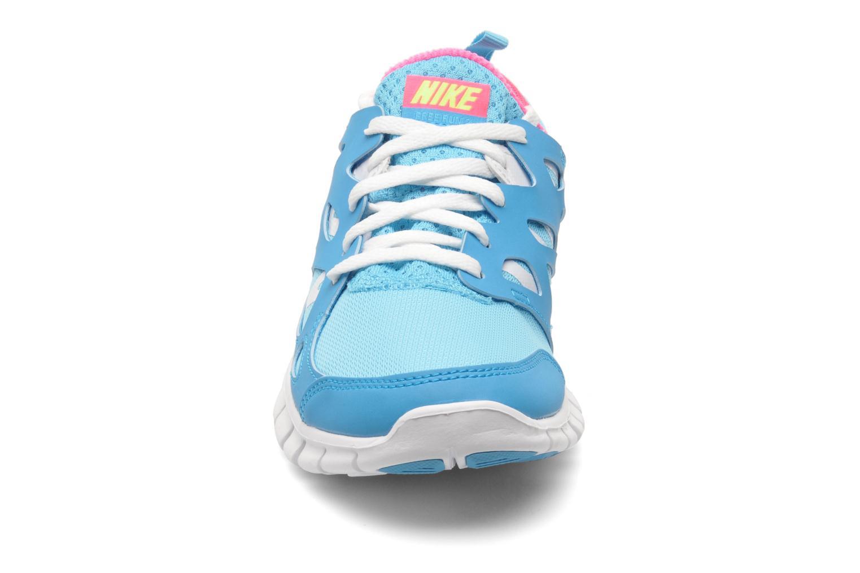 Baskets Nike NIKE FREE RUN 2 (GS) Bleu vue portées chaussures