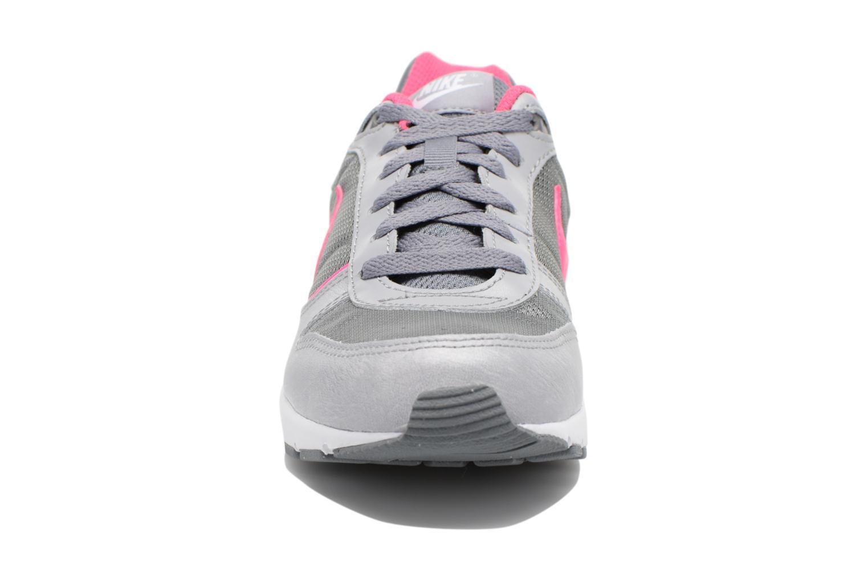 Baskets Nike NIKE NIGHTGAZER (GS) Gris vue portées chaussures