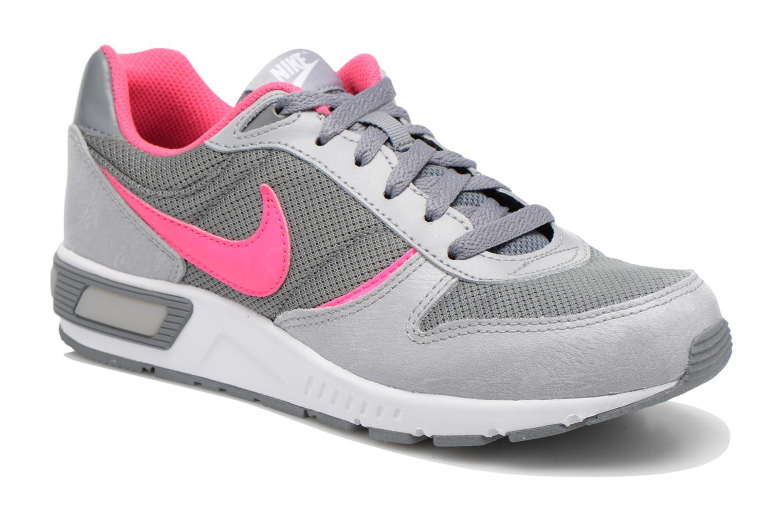 Baskets Nike NIKE NIGHTGAZER (GS) Gris vue détail/paire