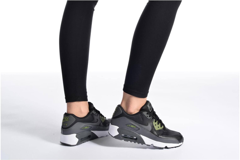 Baskets Nike NIKE AIR MAX 90 MESH (GS) Gris vue bas / vue portée sac