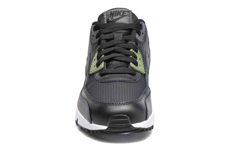 Baskets Nike NIKE AIR MAX 90 MESH (GS) Noir vue portées chaussures