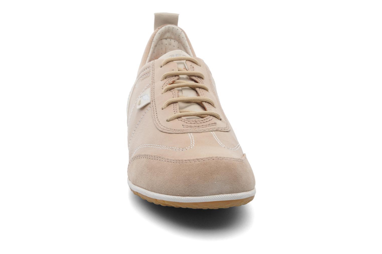 Baskets Geox D VEGA A D3209A Beige vue portées chaussures