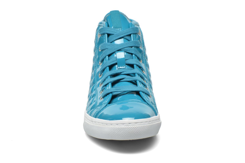 Sneakers Geox D NEW CLUB A D4258A Azzurro modello indossato