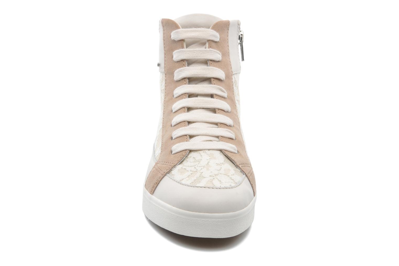 Sneaker Geox D PRUDENCE F D5207F beige schuhe getragen