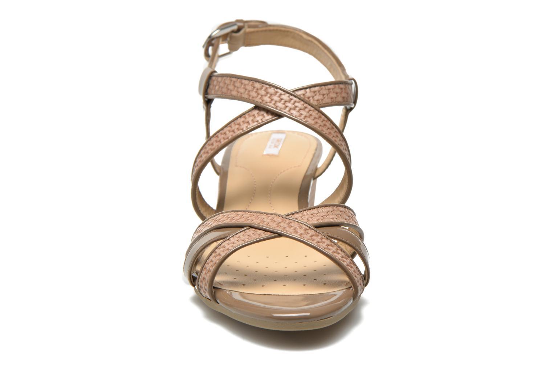 Sandales et nu-pieds Geox D LUPE A D5283A Beige vue portées chaussures