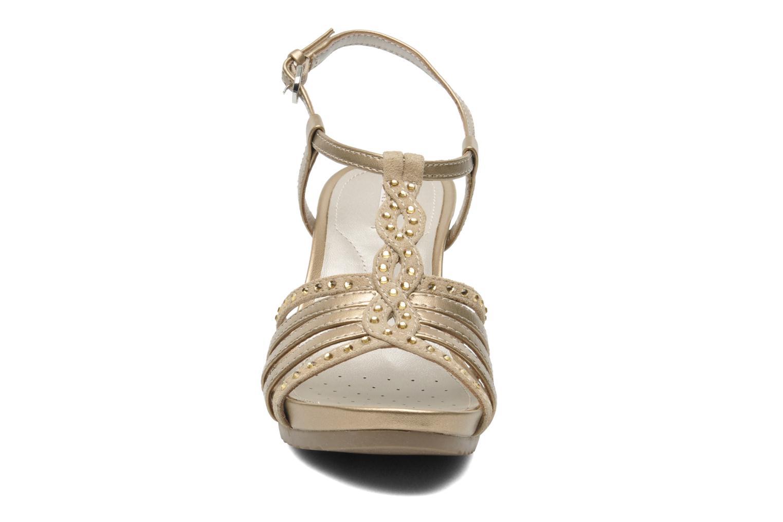 Sandales et nu-pieds Geox D NEW Rorie C D52P3C Or et bronze vue portées chaussures