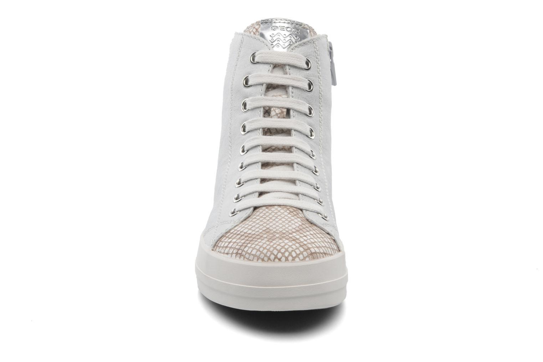 Baskets Geox D HIDENCE A D4234A Beige vue portées chaussures