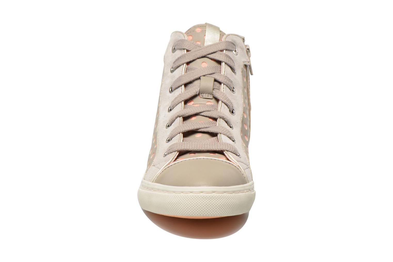 Baskets Geox D NEW CLUB B D5258B Gris vue portées chaussures