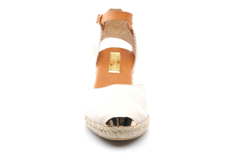 Sandaler Maypol Luz Beige bild av skorna på