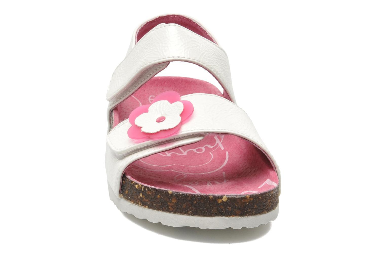 Sandalen Kickers MAGILOVE weiß schuhe getragen