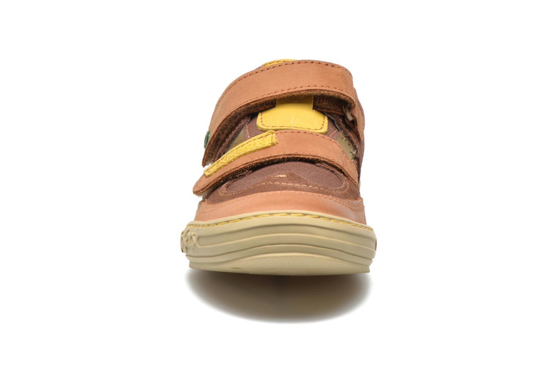 mit Klettverschluss Kickers JYKROI braun schuhe getragen