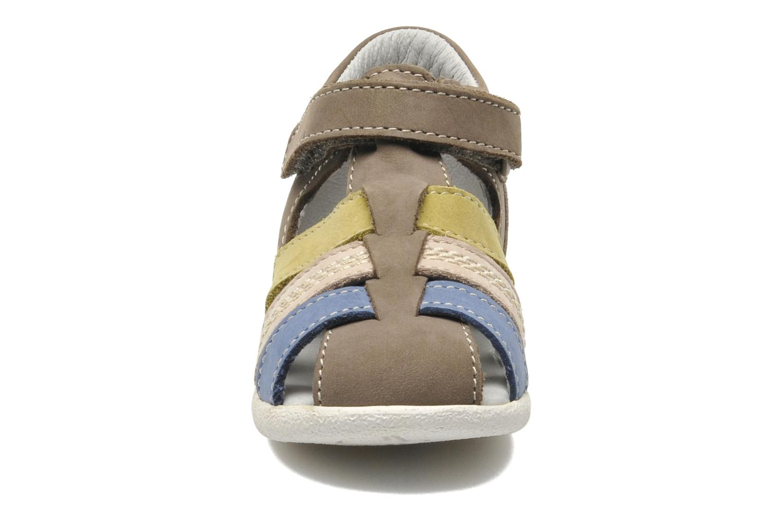 Sandalen Kickers BABYSUN2 grau schuhe getragen