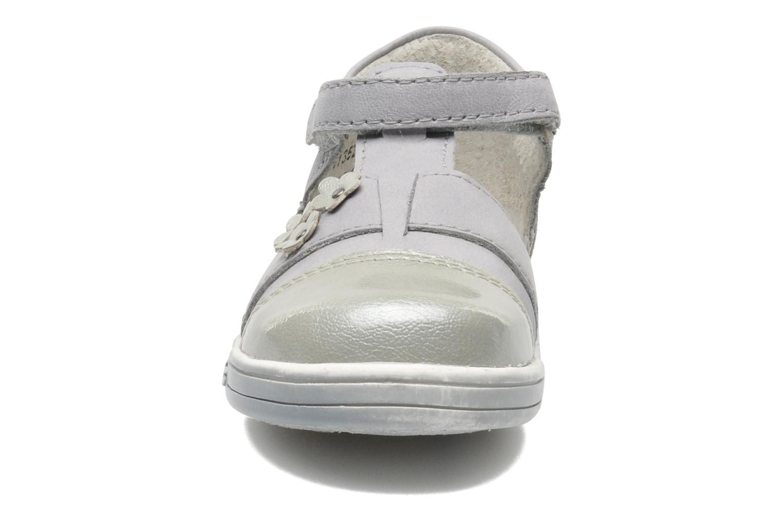 Zapatos con velcro Kickers TREFUN Gris vista del modelo