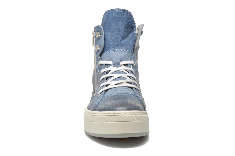 Baskets Pataugas Pacy Bleu vue portées chaussures