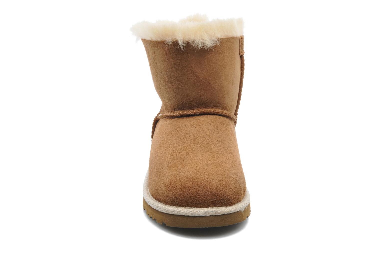 Bottines et boots UGG K SELENE Marron vue portées chaussures