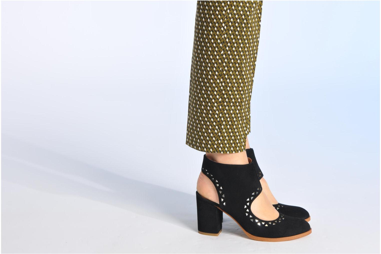 Bottines et boots Made by SARENZA Bamako #4 Noir vue bas / vue portée sac