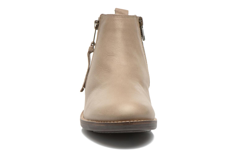 Bottines et boots TBS Girlye Beige vue portées chaussures