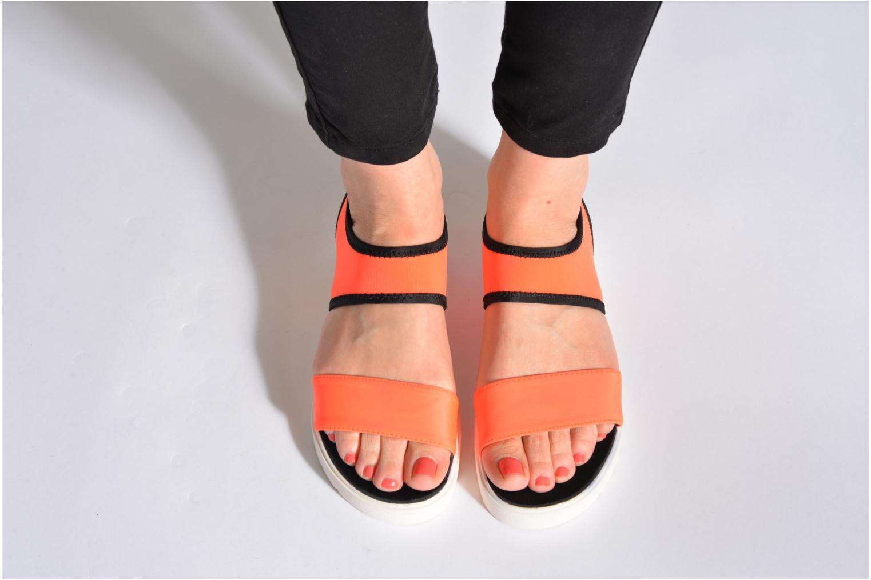 Sandales et nu-pieds Steve Madden PRESSIN Blanc vue bas / vue portée sac
