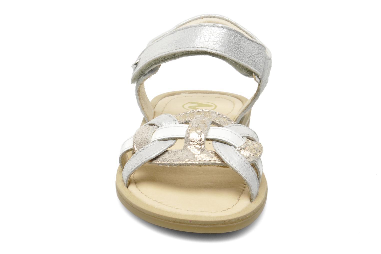 Sandales et nu-pieds Naturino SARA 3952 Argent vue portées chaussures