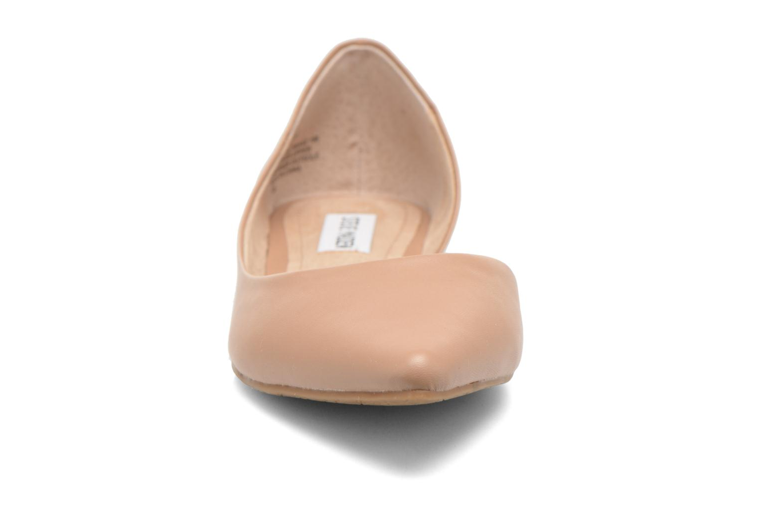 Ballet pumps Steve Madden ELUSION Beige model view