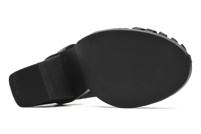 Tilted Black pebbled leather