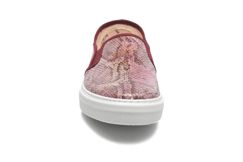 Sneaker Victoria Slip-on Reptil Metalizado rosa schuhe getragen