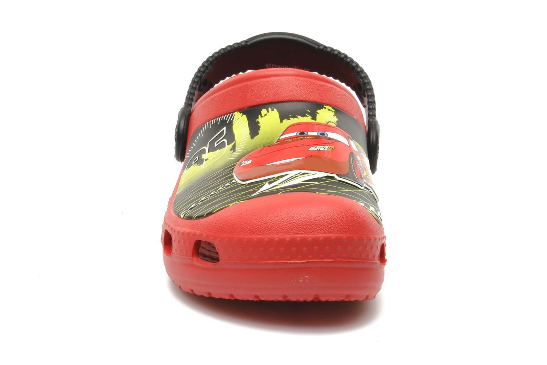 Sandalen Crocs CCLightningMcQueenClog rot schuhe getragen
