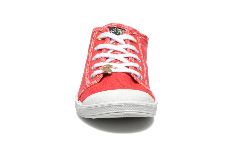 Sneakers Le temps des cerises Lc Basic 02 Rosso modello indossato