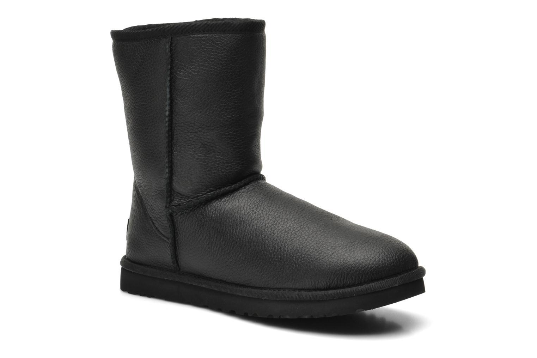 Bottines et boots UGG Classic Short Leather M Noir vue détail/paire