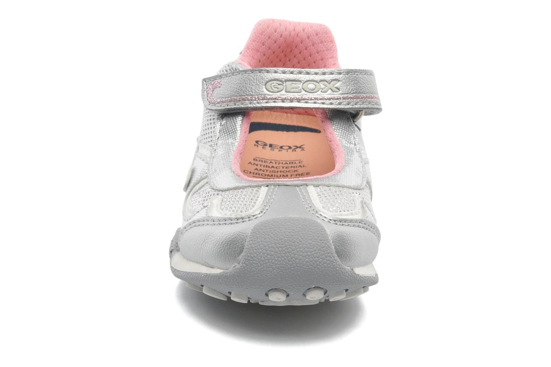 Baskets Geox B New Jocker Girl A Argent vue portées chaussures