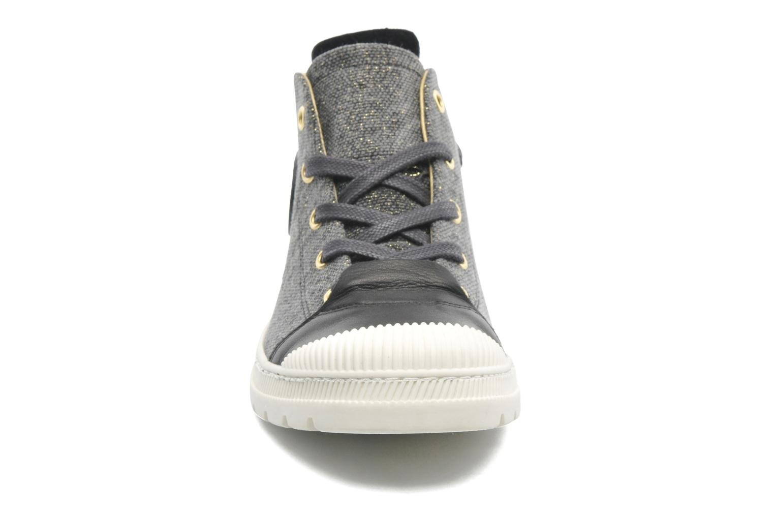 Trainers Pataugas Aix F Black model view