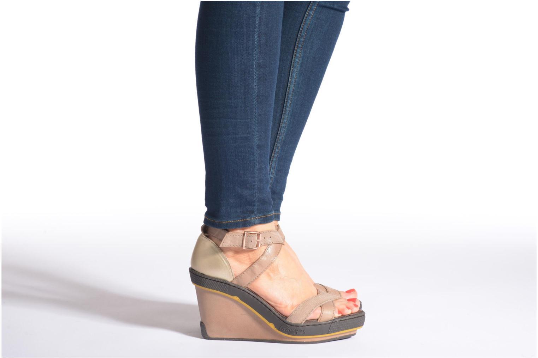 Sandales et nu-pieds Pataugas Gouy Beige vue bas / vue portée sac