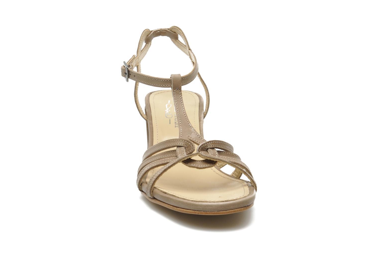 Sandalen Elizabeth Stuart Sival beige schuhe getragen