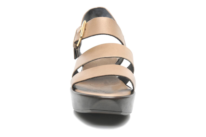 Sandales et nu-pieds Elizabeth Stuart Vidocq Marron vue portées chaussures