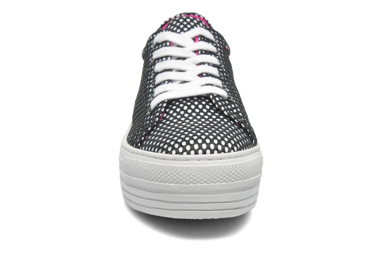 Baskets CULT Kiss Low 738 Noir vue portées chaussures